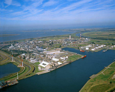 The BASF site in Antwerp has transformed itself over the last 40 years into the largest integrated chemical production site in Belgium and the second largest Verbund site of BASF Group.
