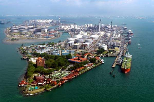 Shell's monoethylene glycol plant opened on 11 December 2009 and is located on Jurong Island in Singapore.