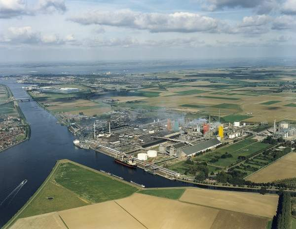 Aerial photograph of the Yara Sluiskil in the Biopark Terneuzen industrial area located in the province of Zeeland, the Netherlands. Image courtesy of Yara International.