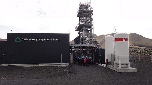 The George Olah carbon dioxide to renewable methanol plant was opened in April 2012. Image courtesy of Thinkgeoenergy.