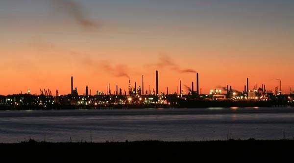 Fawley oil refinery, operated by Esso, is one of the largest of its kind in the UK. Image courtesy of Peter Facey.
