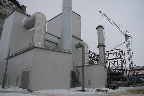 The NAK Azot granulated urea plant was established by reconstructing an existing Urea-3 workshop and building a new granulation unit.