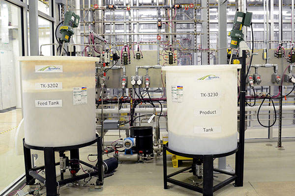 The feed and product tanks of the BCU. Image courtesy of Renmatix.