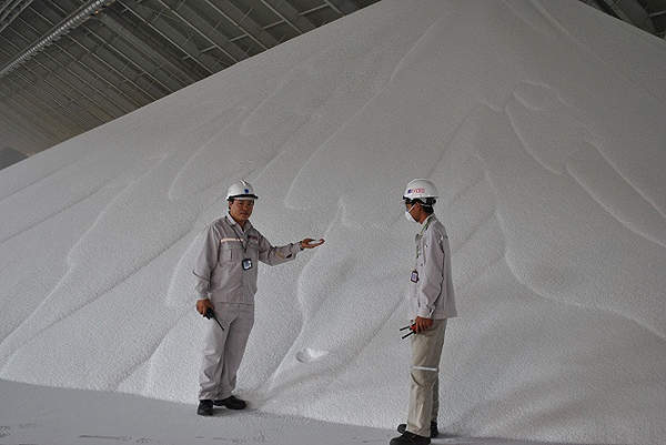 The Ca Mau granular urea production plant was constructed between July 2008 and January 2012. Image courtesy of PetroVietnam Fertilizer and Chemicals Corporation.