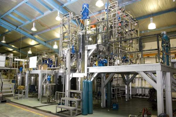 The Malaysian designed SIRIM Bioreactor Technology at the pilot plant has integrated production processes and bioreactor facilities producing 2,000l of different PHA materials. Image courtesy of SIRIM Berhad.)