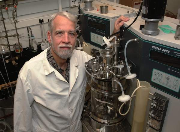 Dr. Lonnie Ingram, who developed the genetically altered bacterium used at the plant. Image courtesy of the Institute of Food and Agricultural Sciences – University of Florida.