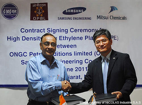 OPaL CEO PK Johri (left) and Samsung Engineering's Lucas Lee (right) during the signing of the HDPE contract.