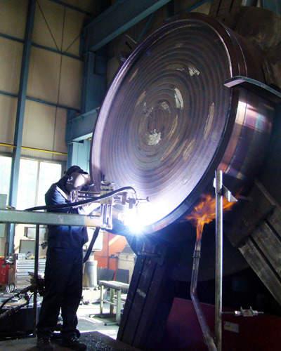 In-situ repairs include retubing of heat exchangers, relining of lined parts of heat exchangers, par