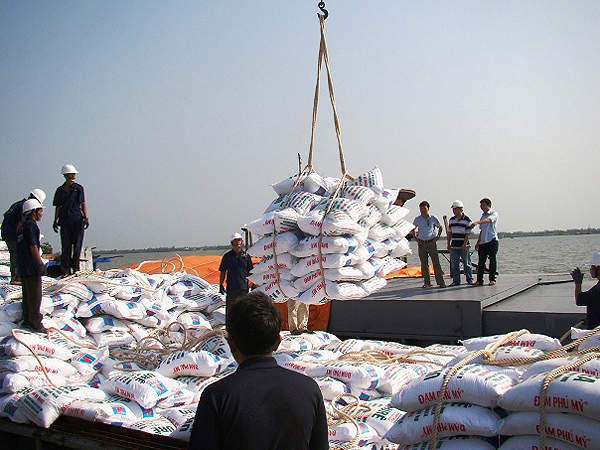 The Ca Mau fertiliser complex has excellent water transportation infrastructure easing the product distribution. Image courtesy of PetroVietnam Fertilizer and Chemicals Corporation.