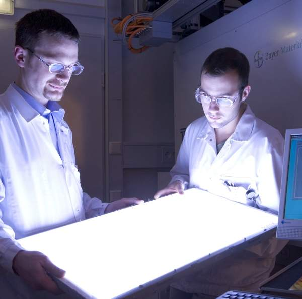Diffuser sheets made of Bayer MaterialScience's Makrolon polycarbonate are used in modern large-screen LCD TV sets to ensure a bright, evenly illuminated picture throughout the TV's entire service life. Image courtesy of Bayer MaterialScience AG.