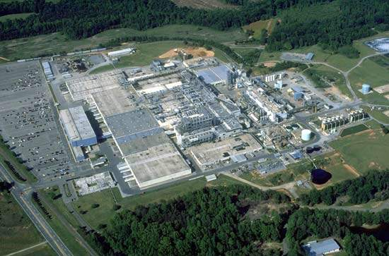 Ticona has a 40-year-old plant in Shelby, North Carolina, producing both PBT and engineering-grade polyethylene terephthalate (PET) with a capacity of 60,000t/yr.