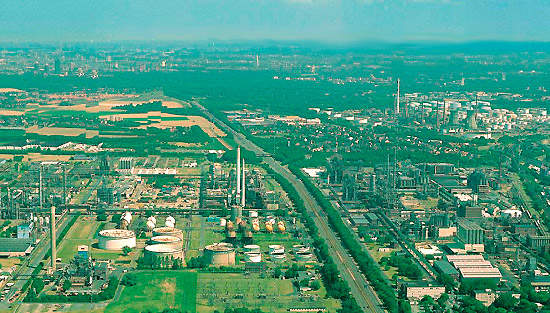 Basell's hdPE plant is located at its site in Wesseling, Germany. Basell said that the plant would allow it to play an expanded role in the western European pipe market which is expected to grow at a rate of 5.5%.