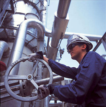 Singapore is the main centre for the Shell Group's petrochemicals operations in Asia Pacific. Among the many assets operated there is the styrene monomer/propylene oxide plant owned by Ellba Eastern, a 50:50 joint venture between Shell and BASF.