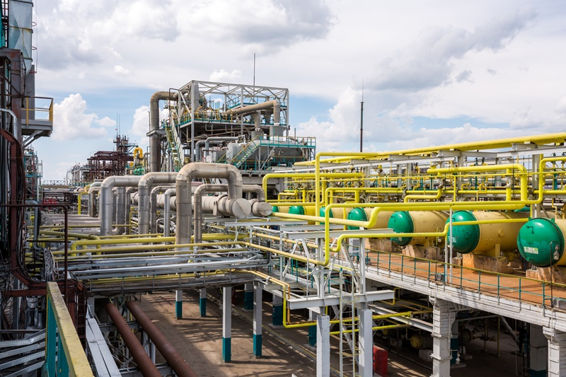 Russia's SIBUR concludes sale of petrochemical assets to Tatneft